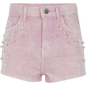 Pinke Jeansshorts mit Perlenverzierung
