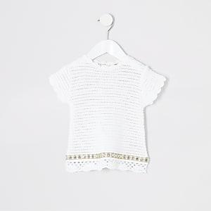 Weißes T-Shirt mit Häkeldesign