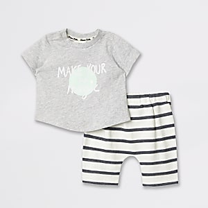 Baby grey graphic print T-shirt outfit
