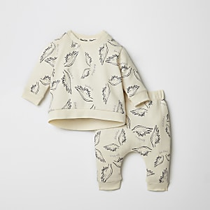 Crème joggingoutfit met engelenvleugelprint voor baby's