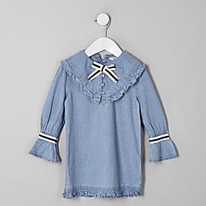 Blaues Jeanskleid mit Schleife