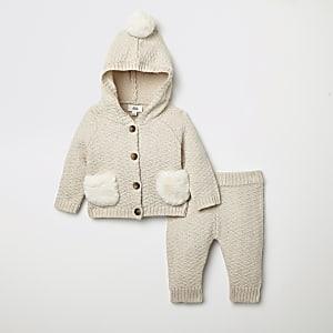 Outfit met crème gebreid vest voor baby's