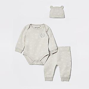 Ensemble bonnet et barboteuse grise avec monogramme RI pour bébé
