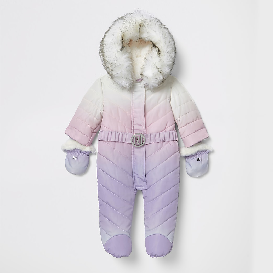 Paarse ombre gewatteerd sneeuwpakmet voeten voor baby's