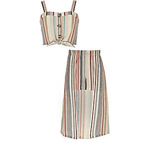 Outfit met roze gestreepte crop top en skort voor meisjes