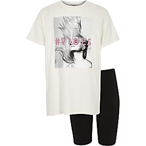Girls white '#vibes' T-shirt and outfit
