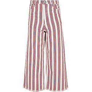 Rote, gestreifte Jeans mit weitem Bein