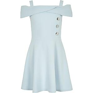 Blaues Bardot-Kleid
