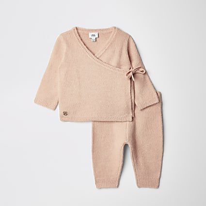 Baby pink knitted wrap cardigan outfit