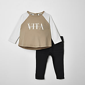 Baby beige 'La vita' T-shirt outfit
