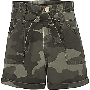 Shorts mit Paperbag-Taille und Camouflage-Muster