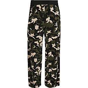 Girls khaki camo plisse pants