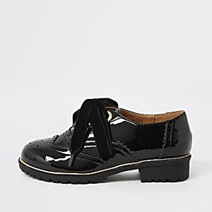 Chaussures noires Richelieu vernies pour fille
