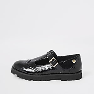 Girls black patent clumpy shoes