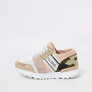Mini girls camo print runner trainers