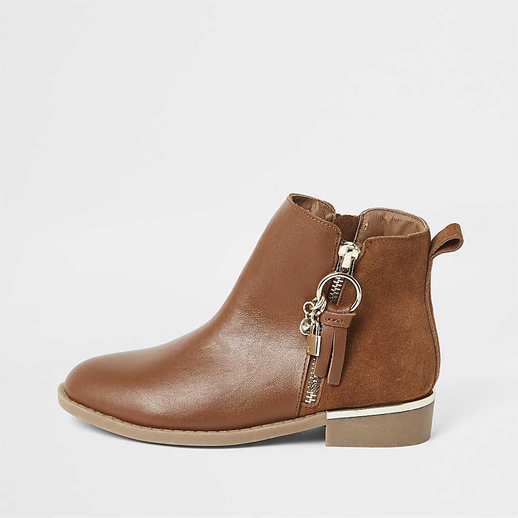 Girls brown leather locket boots