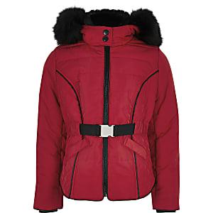 Manteau rouge matelassé à ceinture avec capuche en fausse fourrure pour fille