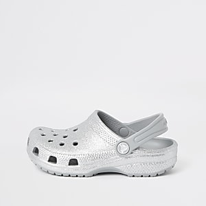 Crocs – Silberne, glitzernde Clogs