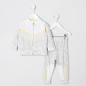 RI Active – Outfit mit beigem Body