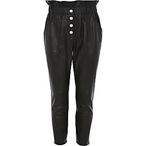 Pantalon en cuir synthétique noir à taille haute ceinturée pour fille