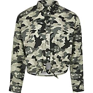 Chemise motif camouflage nouée sur le devant pour fille