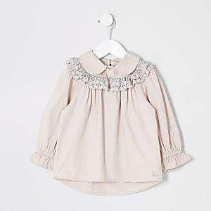 Rosa Hemd mit Loochstickerei