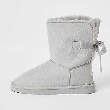 Girls grey RI embossed faux fur boots