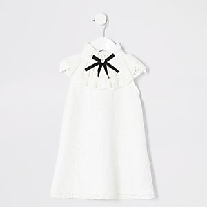 Robe blanche avec volants en dentelle mini fille