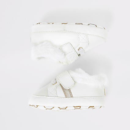 Baby 'Team cute' embossed trainer