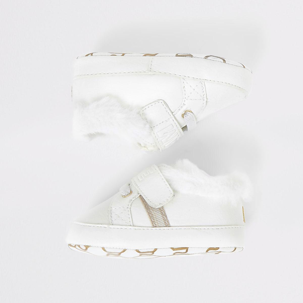 Witte sneakersvan 'Team cute' met reliëf  voor baby's