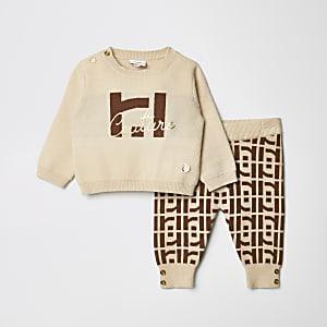 Baby-Outfit mit beigefarbenem Strickpullover mit RI-Monogramm