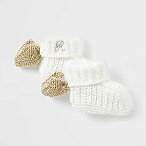 Cremefarbene Sock-Boots mit Engelsflügel für Babys