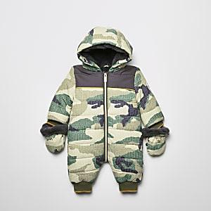 Gesteppter Schneeanzug mit Camouflage-Muster in Khaki