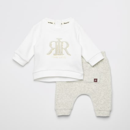 Baby cream RVR embossed sweatshirt outfit