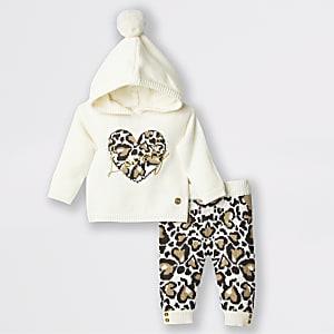 Baby-Outfit mit cremefarbenem Strickpullover mit Leoparden-Print