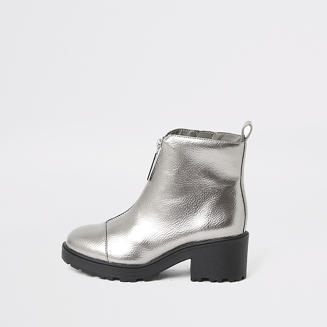 Girls silver patent zip front heeled boots