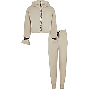 Girls RI Active beige tape zip hoodie outfit