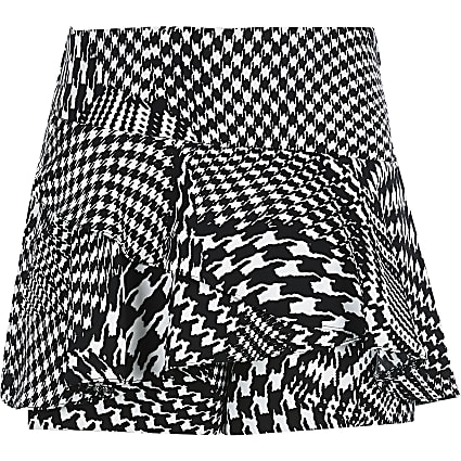 Girls white dogtooth check skort