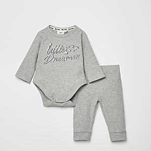 Grijze outfit met 'Little dreamer'-print rompertje baby grow