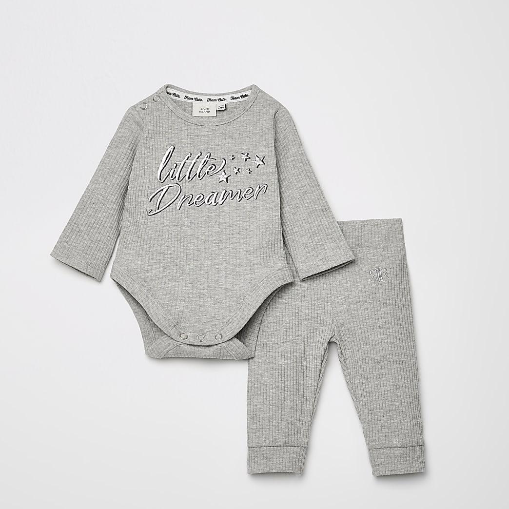 Grijze outfit met 'Little dreamer'-print rompertje baby grow
