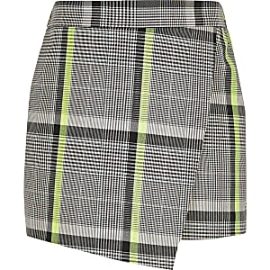Girls monochrome check skort