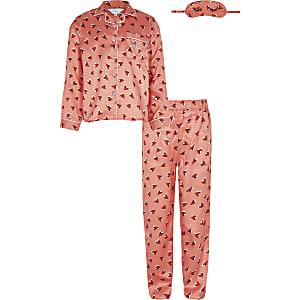 Koraalrode pyjama set met hartjesprint voor meisjes