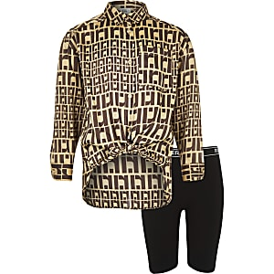 Girls brown RI print shirt outfit