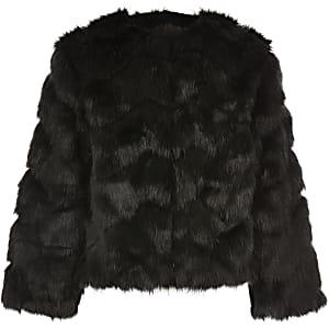 Manteau noir en fausse fourrure pour fille