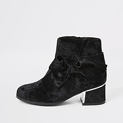 Girls black velvet bow heel boots