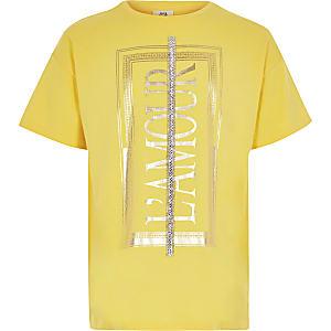 Gelbes T-Shirt mit Strassverzierung