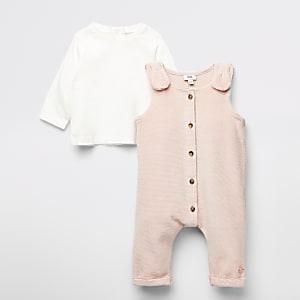 Roze velour dungaree en T-shirt outfit voor baby's