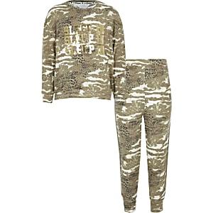 Kaki pyjama-outfit met camouflageprint en 'Sleep in'-tekst voor meisjes
