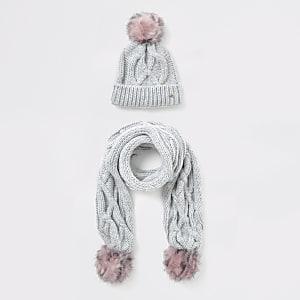 Graues Mützen- und Schal-Set mit Zopfstrickmuster für Mädchen
