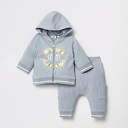 Baby blue zip through sweatshirt outfit